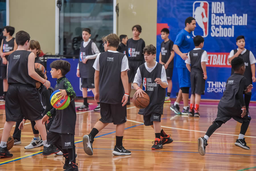 I NBA Basketball School Camp